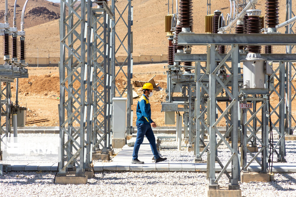 Iranians firms ready to provide electrical services to Iraq
